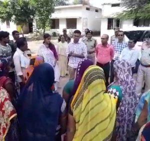 संवेदनशील मतदान क्षेत्रों मे प्रशासनिक टीम ने किया फ्लैग मार्च, शांतिपूर्ण मतदान के लिए की गई अपील, जिले मे कुल 387 संवेदनशील मतदान