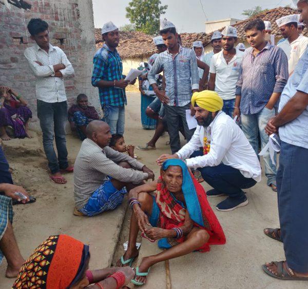 बिल्हा विधानसभा के आम आदमी पार्टी प्रत्याशी जसवीर सिंह चावला ने ग्राम पंचायत सोढी मराटी एवं गंगद्वारी में जनसंपर्क किया